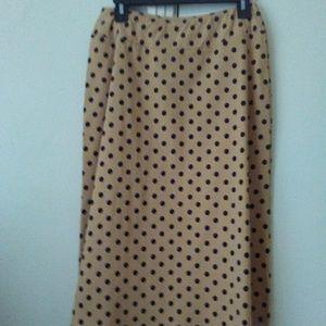Ladies casual skirt (new never worn)